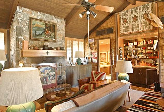 Frank Sinatra's living room at Villa Maggio.