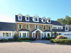 Picturesque Countryside Estate in Tewksbury, NJ