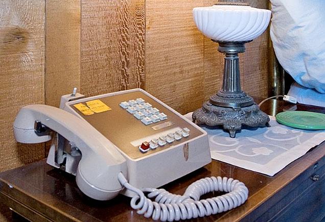 Frank Sinatra's old multiline telephone at Villa Maggio.